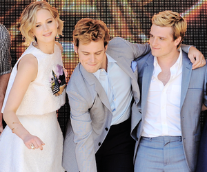 Jennifer Lawrence, josh hutcherson, and sam claflin image