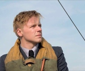 <3, love, and jack lowden image