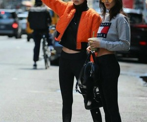 gigi hadid, fashion, and bella hadid image