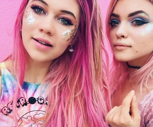 hey violet and jessie paege image