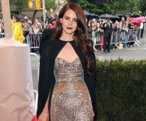 lana del rey and red carpet image