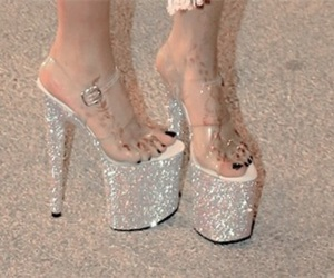aesthetic, diamonds, and glitter image