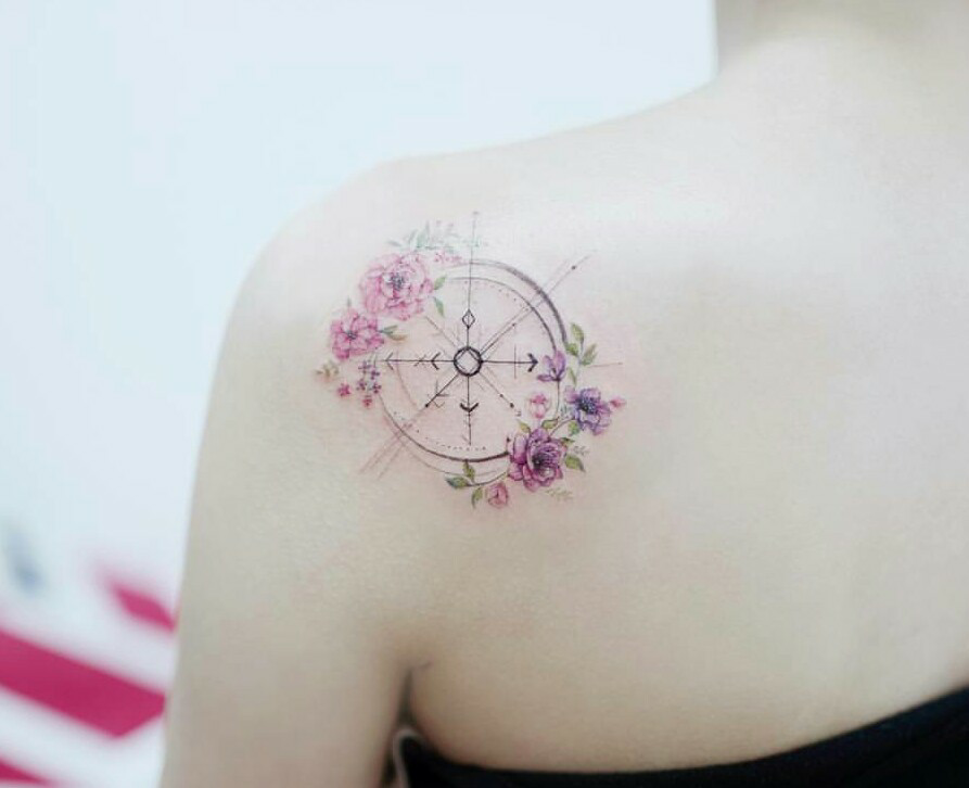 beautiful, compass, and shoulder image