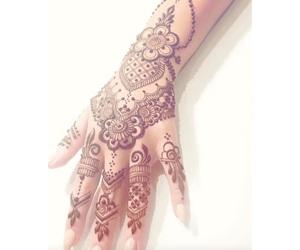 henna and henné image