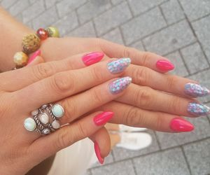 nails, summernails, and pinknails image