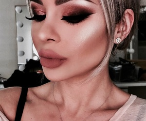 eyes, highlight, and lips image