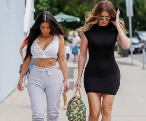 fashion, kim kardashian, and khloe kardashian image