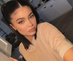 kylie jenner, makeup, and jenner image