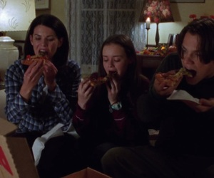 gilmore girls, pizza, and rory gilmore image