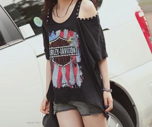 beautiful, beauty, and black shirt image