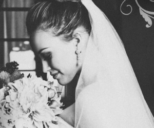 black and white, lizzie mcguire, and bride image