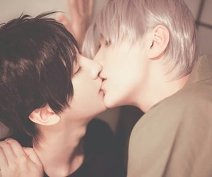 cosplay, kiss, and yurionice image