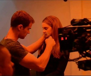 behind the scene, theo james, and Shailene Woodley image