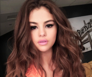 selenagomez, gainpost, and followtrain image