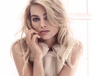 actress, beautiful, and DC image