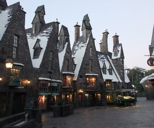 harry potter, snow, and hogsmeade image