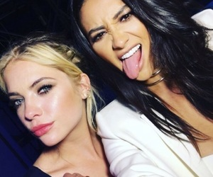 pretty little liars, emily fields, and ashley benson image