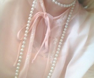 pink, vintage, and pearls image