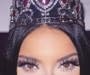 makeup and Queen image