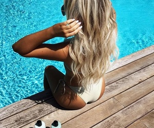 hair blonde curly, summer pool sun, and girl girls makeup image