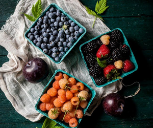 berries and fruit image