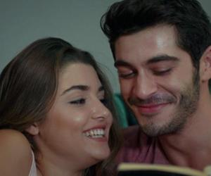 hande erçel, الحب لا يفهم الكلام, and aşk laften anlamaz image