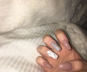 acrylic, square nails, and bomb nails image