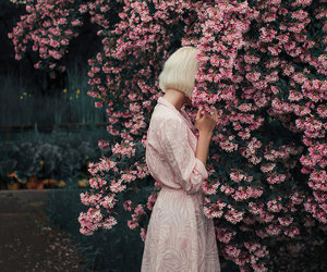 aesthetic, expressive, and flowers image