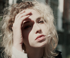 skins and freya mavor image