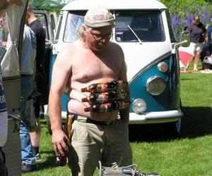 funny, six pack, and sixpack image