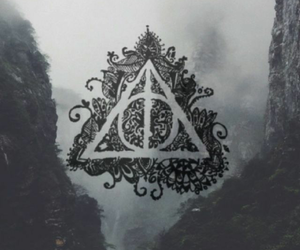 harry potter, hogwarts, and deadly hallow image