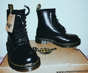 cool, dr martens, and grunge image