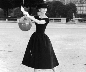 audrey hepburn, fashion, and Queen image