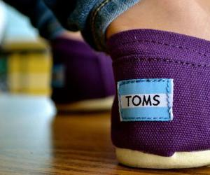 toms, purple, and shoes image