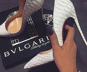 guess, heels, and escarpins image