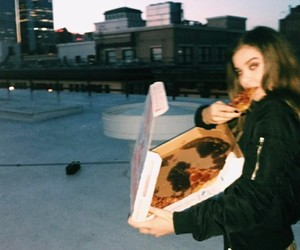 pizza and hailee steinfeld image