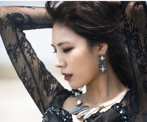 girls, k-pop, and mv image