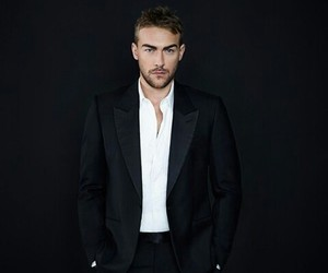 hot guy, the royals, and tom austen image