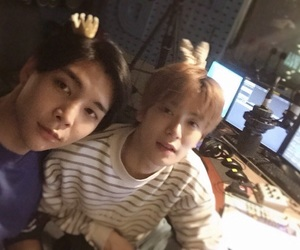 johnny, selfie, and johnjae image