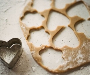 baking, heart, and Cookies image