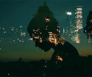 girl, city, and night image