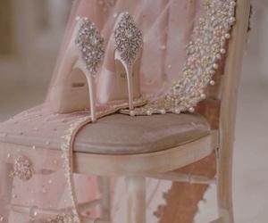 chaussure, pink, and lockscreen image