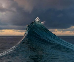 waves, ocean, and aesthetic image