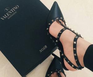 black, love, and moda image