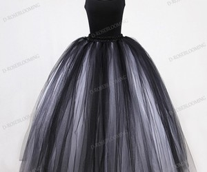 ball gown, promdress, and gothicstyle image