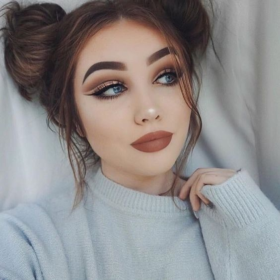 Girls Whole Face Is So Pretty Makeup