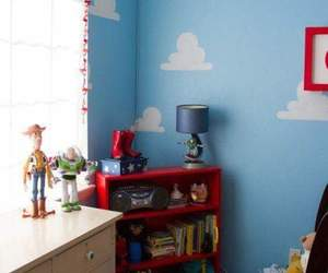 room and toy story image