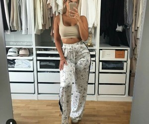 crop top and summer style image