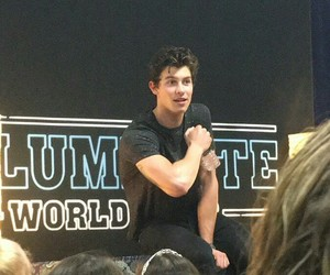 shawn mendes and illuminate world tour image