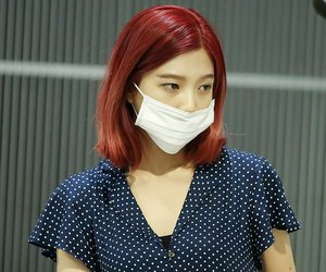 airport, joy, and red velvet image